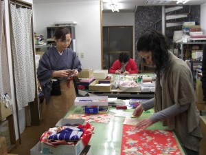 Women working in the Oharibako workshop