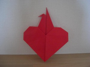 origami03-Red-Heart-with-Crane