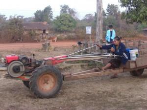 <Village Tractor>