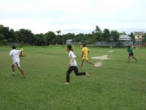 04Momplaysfootball_sm